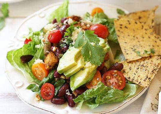viva-la-fiesta-vegetarian-taco-salad-e1361212015108