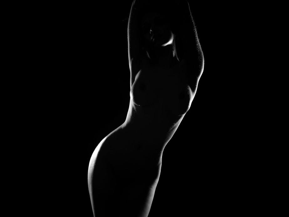 silhueta-feminina-fundo-preto-imagens-imagem-de-fundo-wallpaper-para-pc-computador-tela-gratis-ambiente-de-trabalho